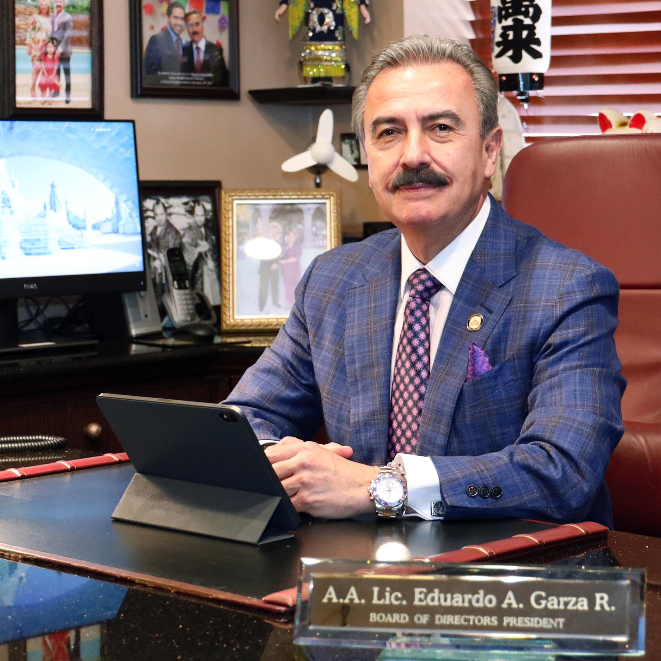 Eduardo A Garza R.