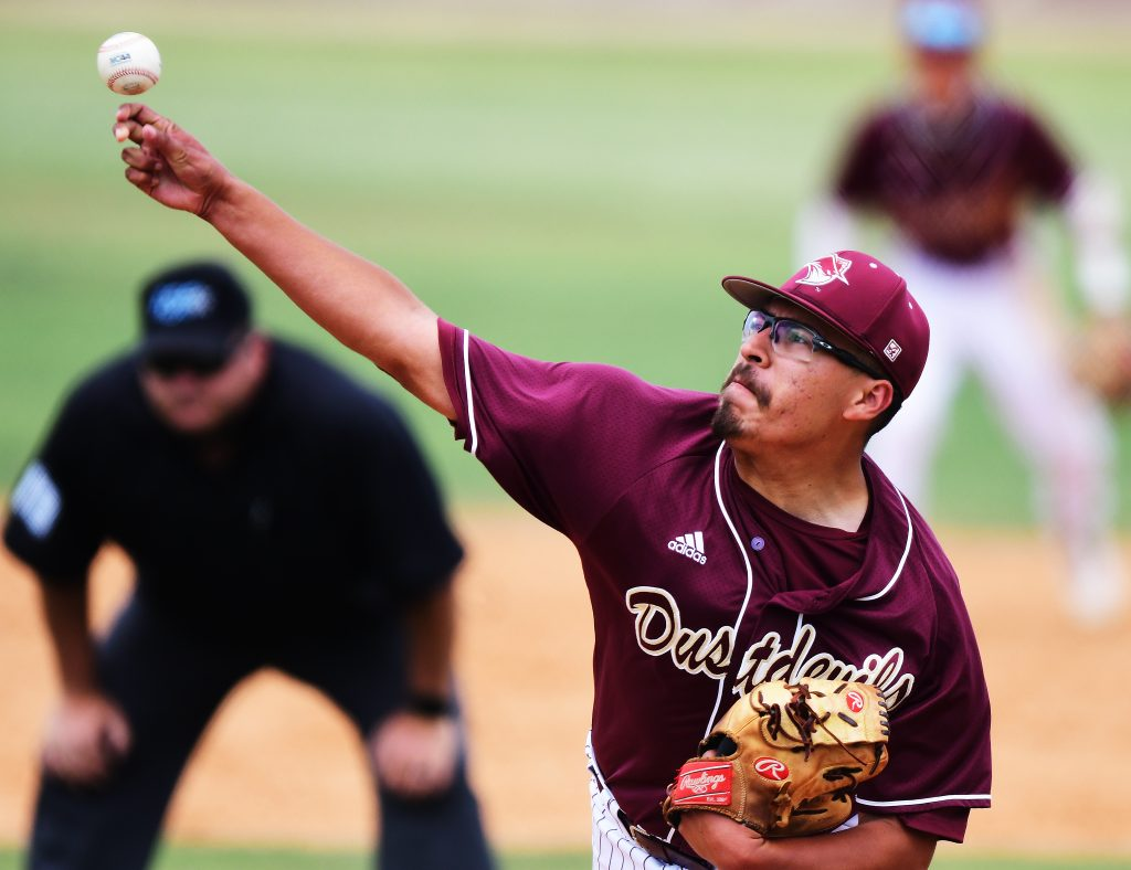TAMIU pitcher Jose Gonzalez