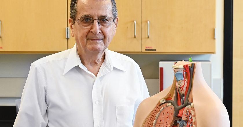 Physiology professor retires after 21 years at TAMIU
